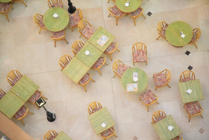 Tabellen im Kaffee von der Draufsicht stockfotografie