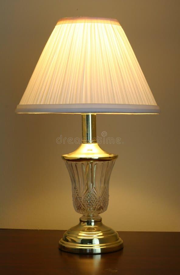 Download Tabellen-Lampe stockbild. Bild von glänzend, abend, leuchte - 55801