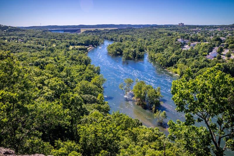 Tabellen vaggar sjön i Branson på sydväster Missouri fotografering för bildbyråer