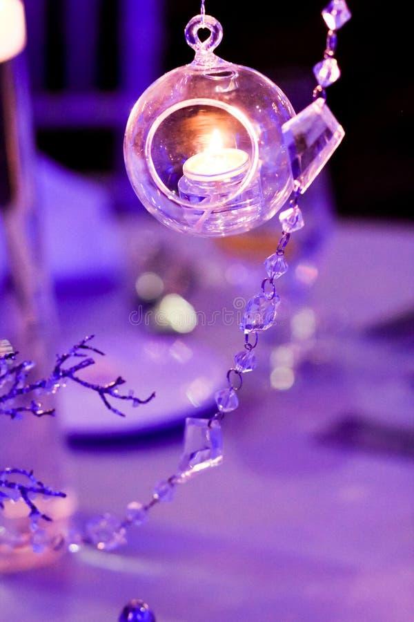 Tabellgarnering för ett vinterbröllop arkivfoto