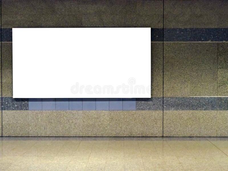 Tabellone per le affissioni in bianco fotografie stock libere da diritti