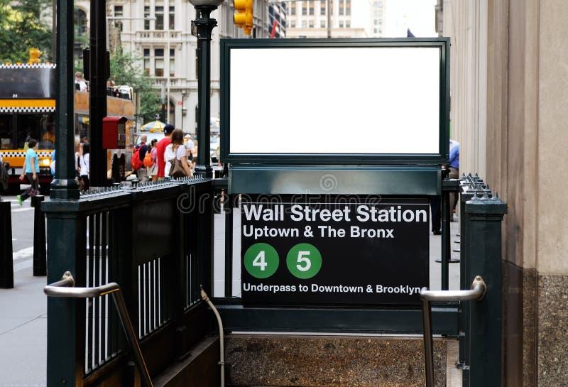 Tabellone per le affissioni nella stazione del Wall Street fotografia stock libera da diritti