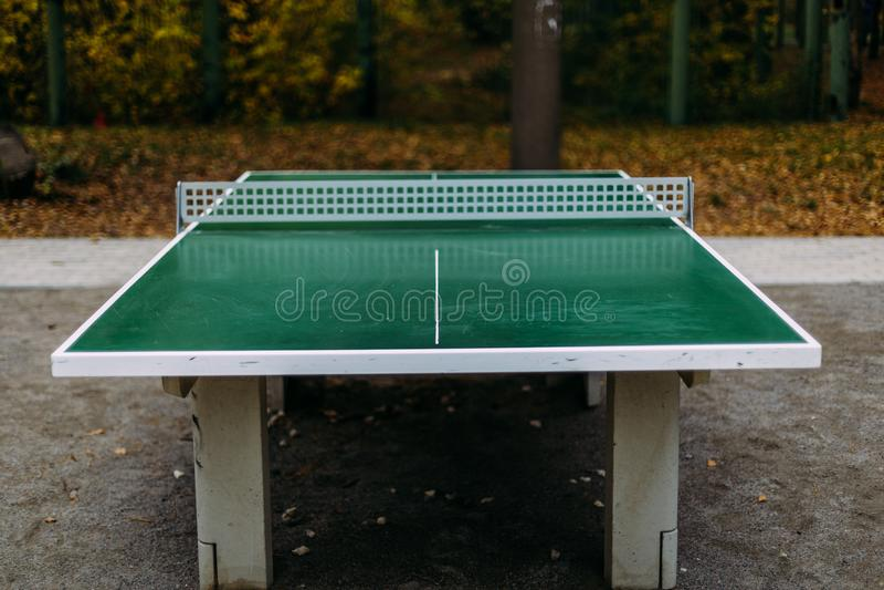 Tabla al aire libre del tenis Azul de la paleta del tenis de vector del ping-pong imagen de archivo libre de regalías