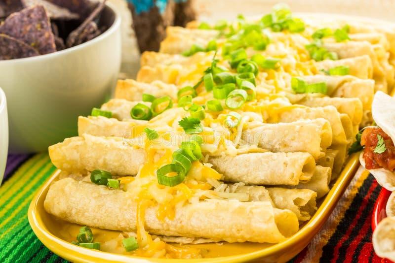 Tabla de comida fría de la fiesta imagen de archivo libre de regalías