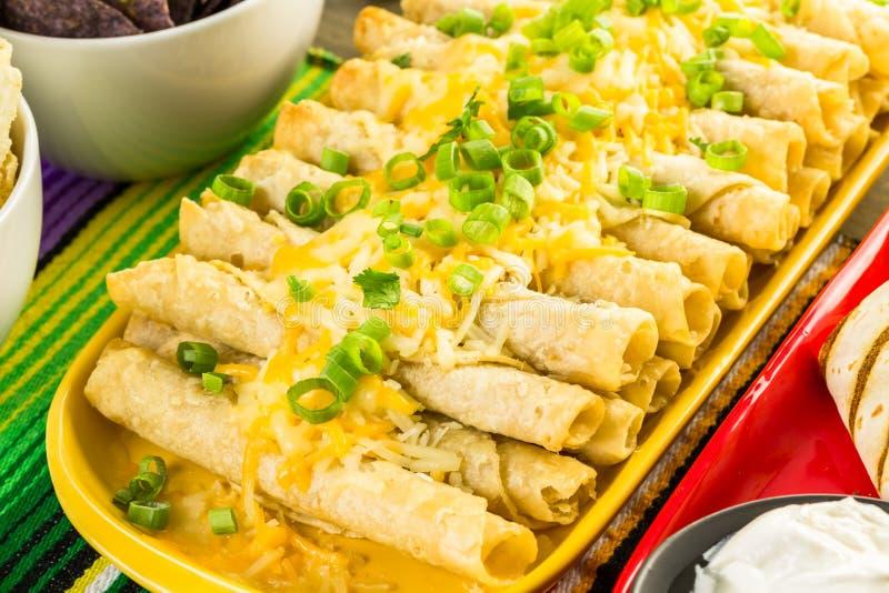 Tabla de comida fría de la fiesta fotografía de archivo