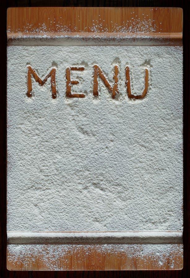 Download Tabla De Cortar Del Vintage Cubierta Con La Harina Espacio Para El Texto Del Menú De La Receta En Viejo Fondo De Madera Foto de archivo - Imagen de alimento, fondo: 42444102