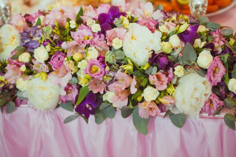 Tabla de la decoración de la boda foto de archivo libre de regalías