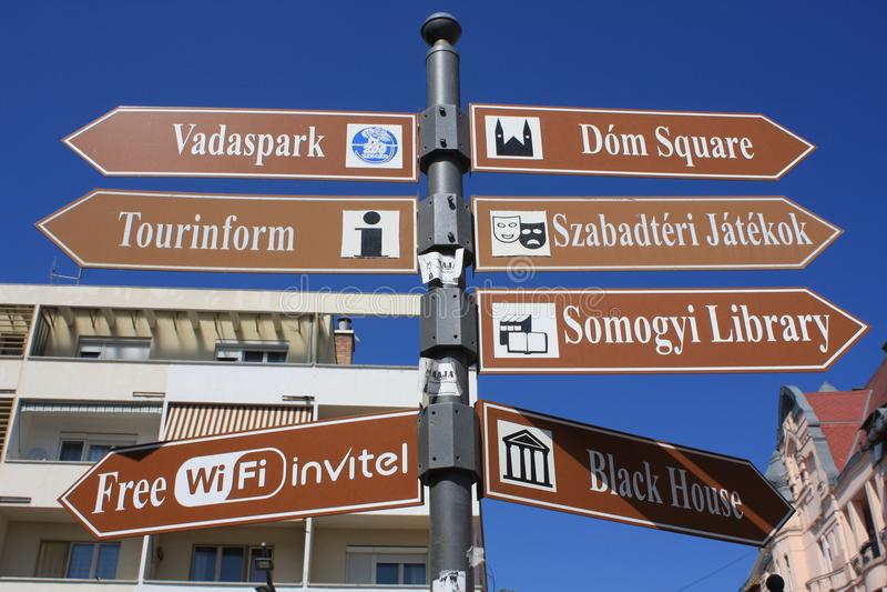 Tabla de la información en Szeged, Hungría, región de Csongrad fotografía de archivo libre de regalías