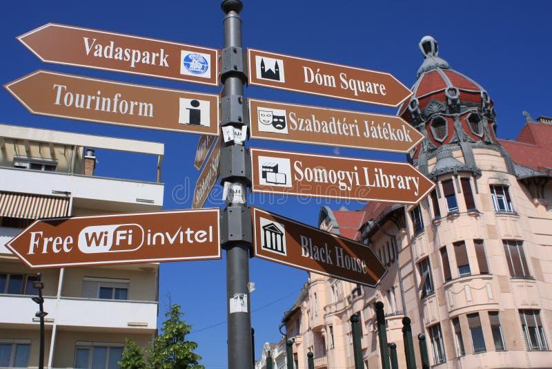 Tabla de la información en Szeged, Hungría, región de Csongrad fotos de archivo
