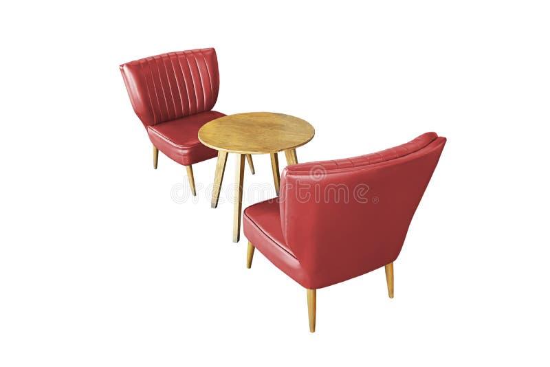 Tabla de madera aislada y sofá rojo de la silla, vintage hermoso en un fondo blanco foto de archivo libre de regalías