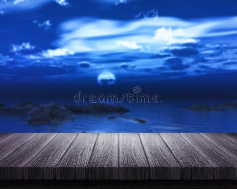 Tabla de madera que considera hacia fuera al mar la noche stock de ilustración