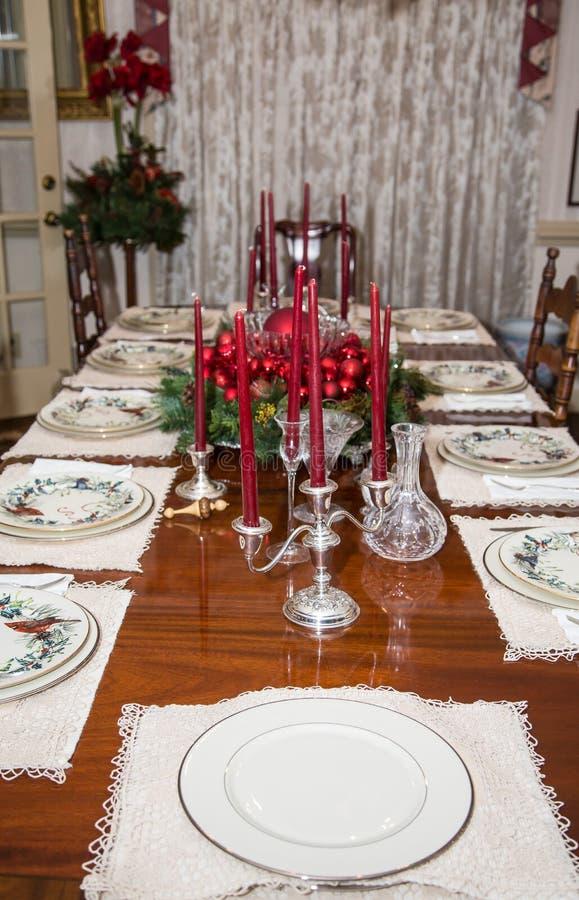 Tabla formal de la Navidad con Candleabra imagen de archivo