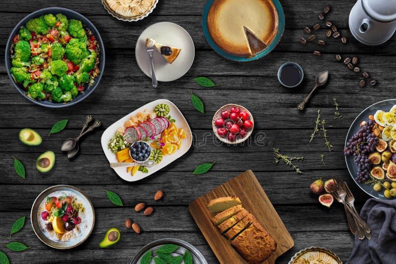 Tabla mediterránea de la comida Concepto sano de la comida imagen de archivo libre de regalías