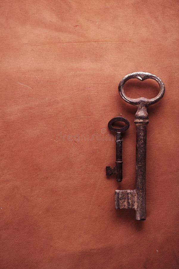 Download Tabla Superficial De Cuero Con Llaves Oxidadas Foto de archivo - Imagen de fondo, primer: 44857874