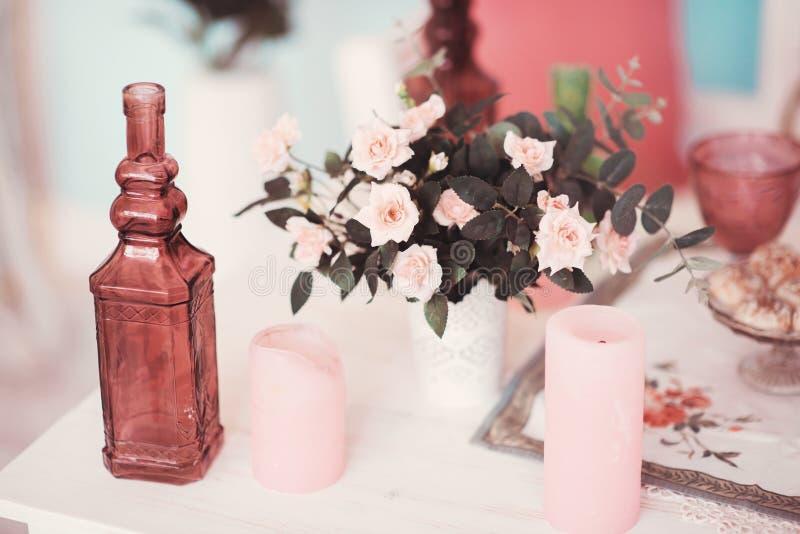 Table admirablement décorée photo stock