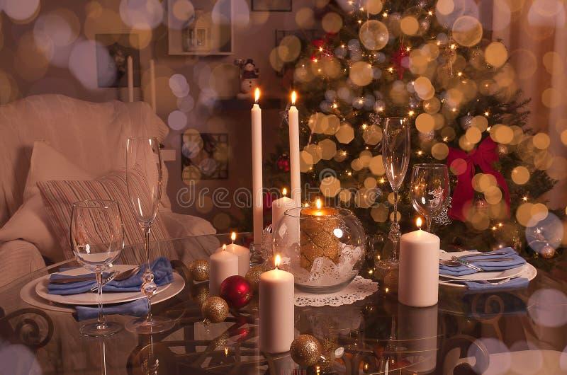 Table décorée de Noël Vacances d'hiver photo libre de droits