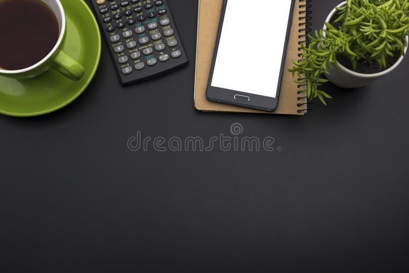 Table de bureau avec des approvisionnements Vue supérieure Copiez l'espace pour le texte image libre de droits