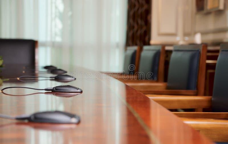 Table de conférence images libres de droits