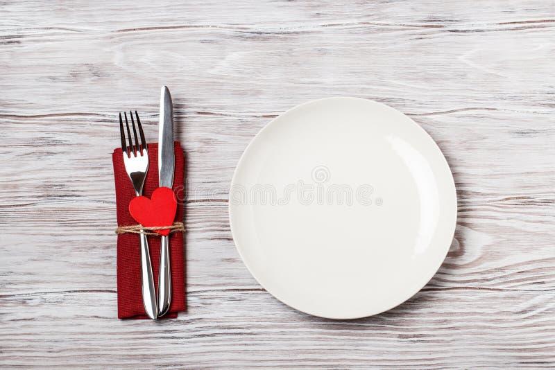 table de dîner Aimez le concept pour le jour du ` s de mère et le jour du ` s de valentine valentine Amour Carte postale de jour  images libres de droits