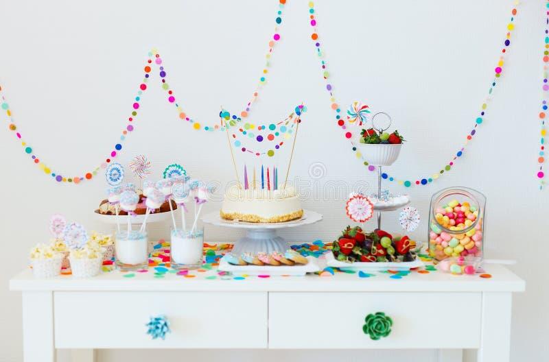 Table de dessert à la partie photos libres de droits