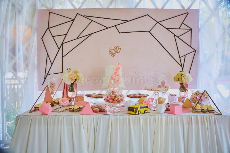 Table de dessert pour une noce photos libres de droits