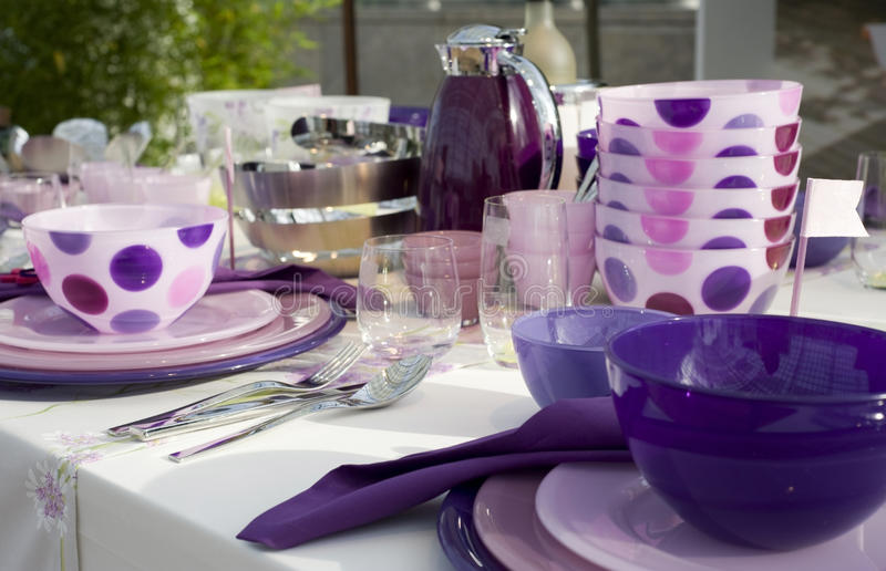 Table de fantaisie mise pour un dîner photo libre de droits