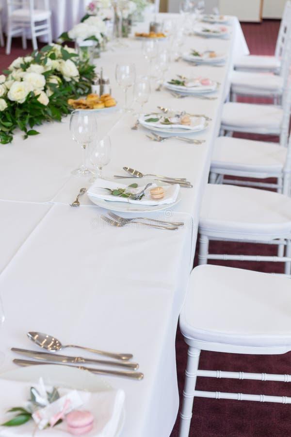 Table de fantaisie mise pour un mariage photo stock