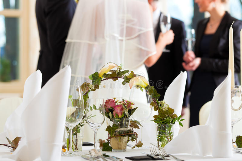 Table de mariage à un régal de mariage photos stock