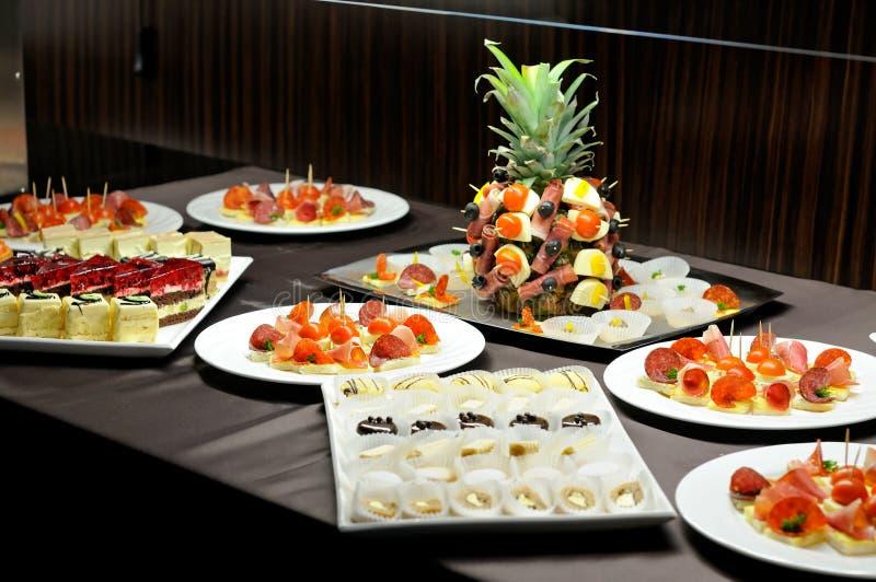 Table de nourriture photographie stock