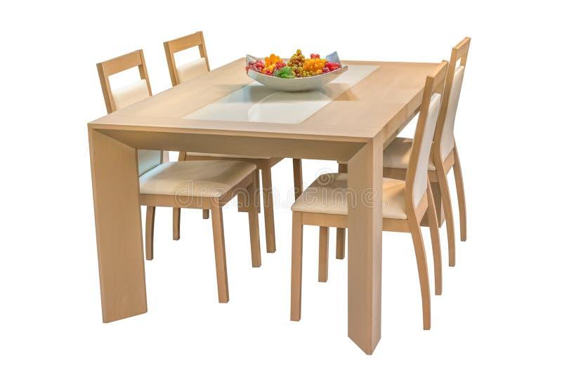 Table de salle à manger en bois et chaises d'isolement sur le fond blanc photographie stock libre de droits