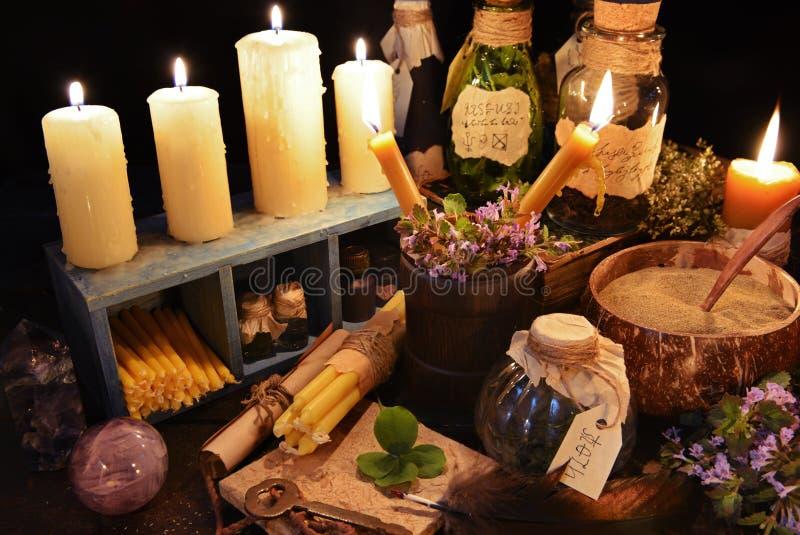 Table de sorcière d'ot de thème de médecine parallèle photo libre de droits