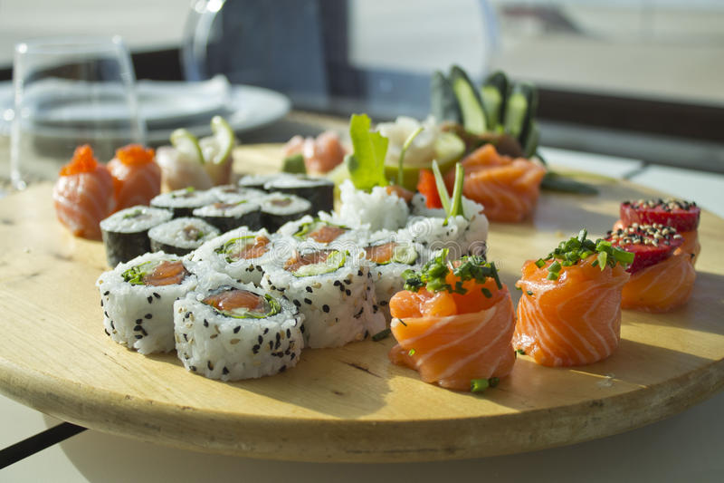 Table de sushi image stock