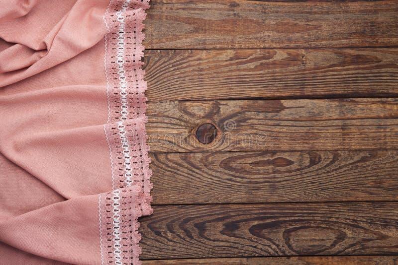 Table en bois et nappe de vieux vintage avec la dentelle Maquette de vue supérieure photo stock