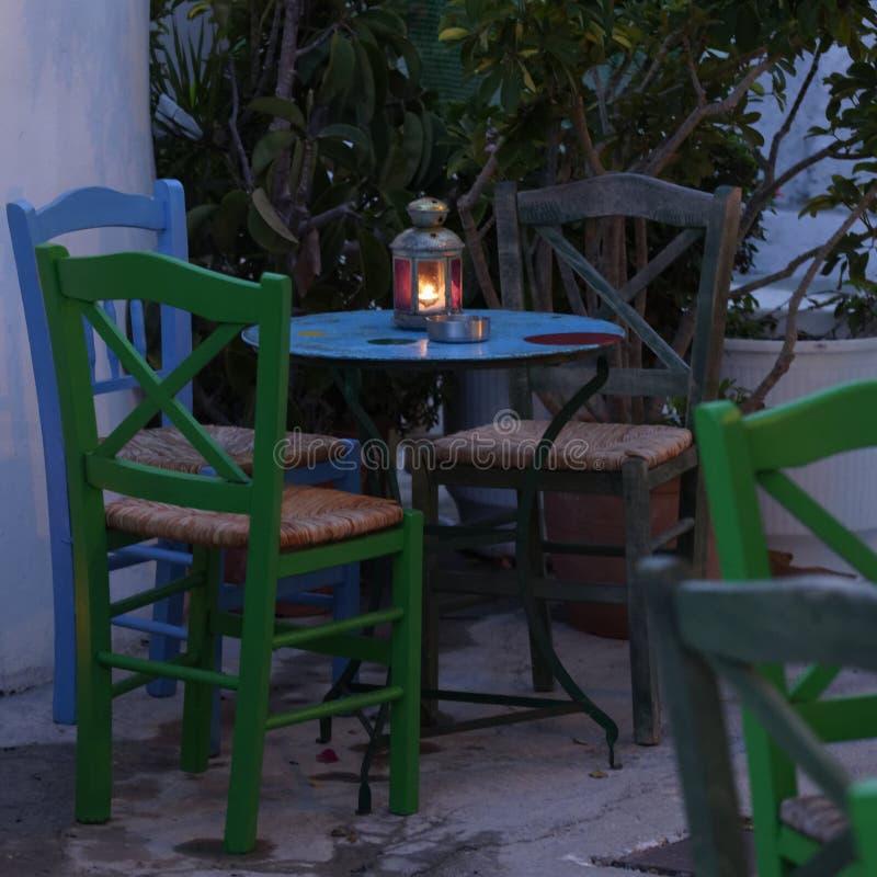 Table grecque de taverne image stock