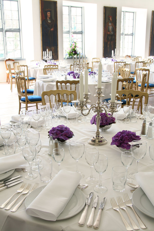 Free Table Posh Reception Royalty Free Stock Photography - 5081417