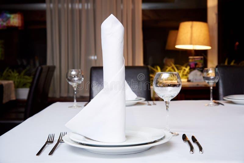 Table servie pour le banquet photos stock