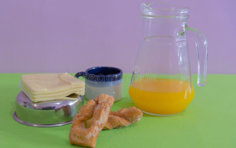 Table servie pour le petit-déjeuner de l'après-midi 02 jpg photographie stock