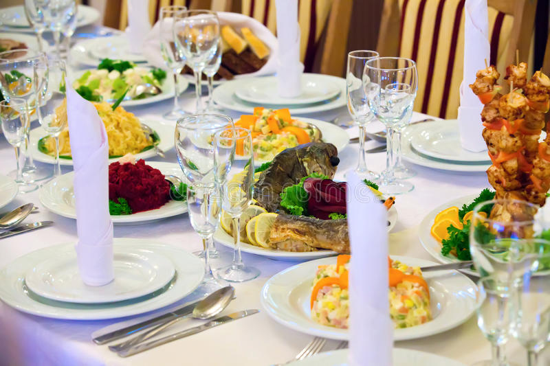 Download Table Set For An Event Party Or Wedding Reception Stock Photo - Image: 21230378