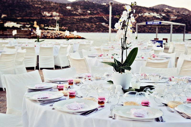 Table set up at the beach wedding royalty free stock photos