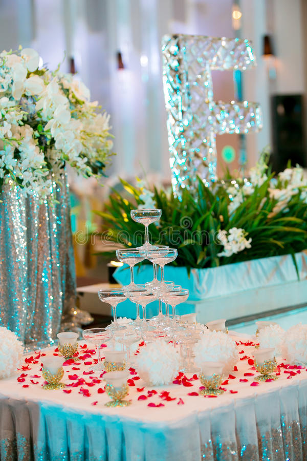 Table setting at a luxury wedding reception royalty free stock images
