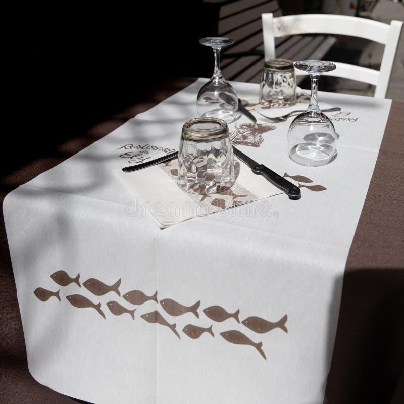Tableau étendu pour le dîner dans Monterosso Ligurie Italie le 22 avril 2019 photo libre de droits