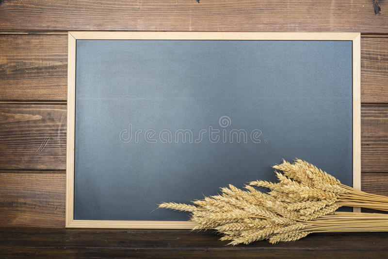 Tableau avec un espace et des céréales de copie photo libre de droits