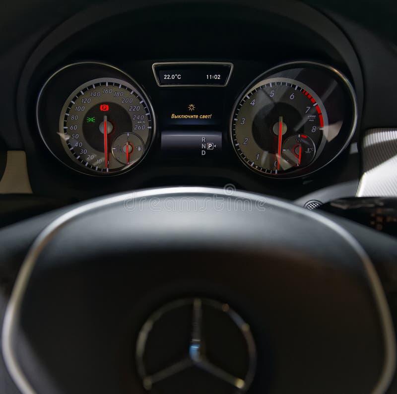 tableau de bord de la voiture mercedes benz photo ditorial image du fl ches v hicule 46019366. Black Bedroom Furniture Sets. Home Design Ideas