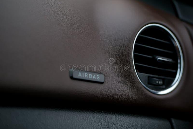 Tableau de bord de véhicule Dispositif de climatisation et panneau d'airbag Groupe intérieur photographie stock