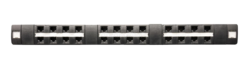 Tableau de connexions du réseau Cat5e avec 24 ports photos stock
