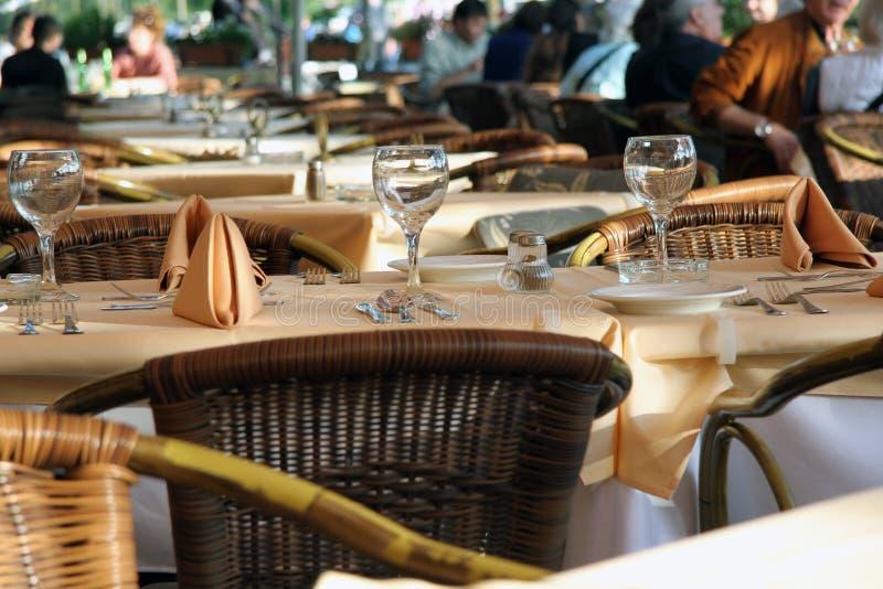 Tableau de dîner de fantaisie au restaurant image libre de droits
