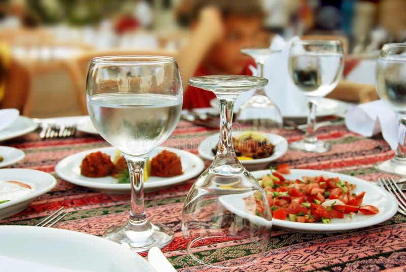 Tableau pour le dîner photos libres de droits