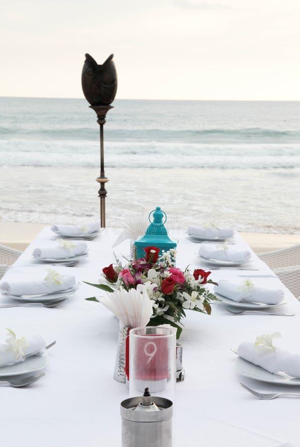 Tableaux décorés pour une réception de mariage. photos stock