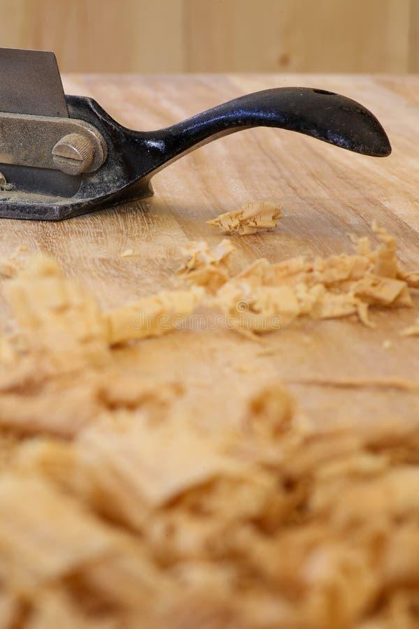 Tablero Chip Shavings de la madera dura de Sapele del rebajador de radios fotos de archivo libres de regalías