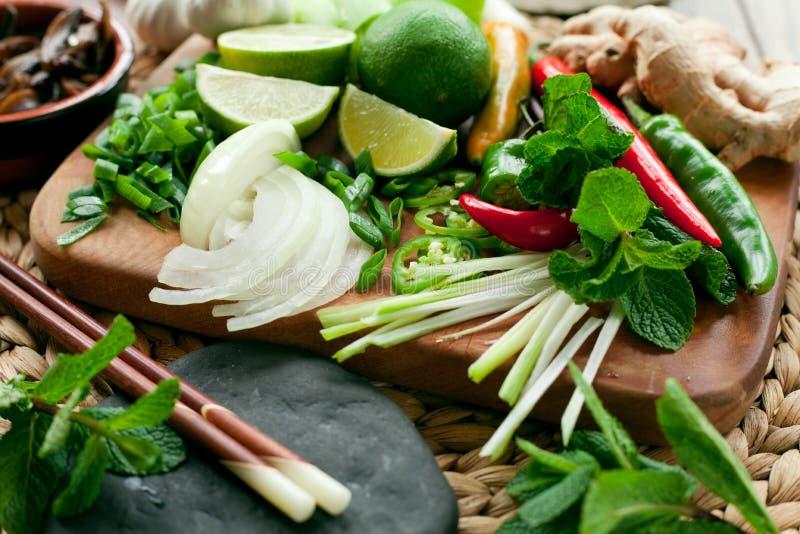 Tablero colorido vietnamita de los ingredientes alimentarios fotografía de archivo libre de regalías